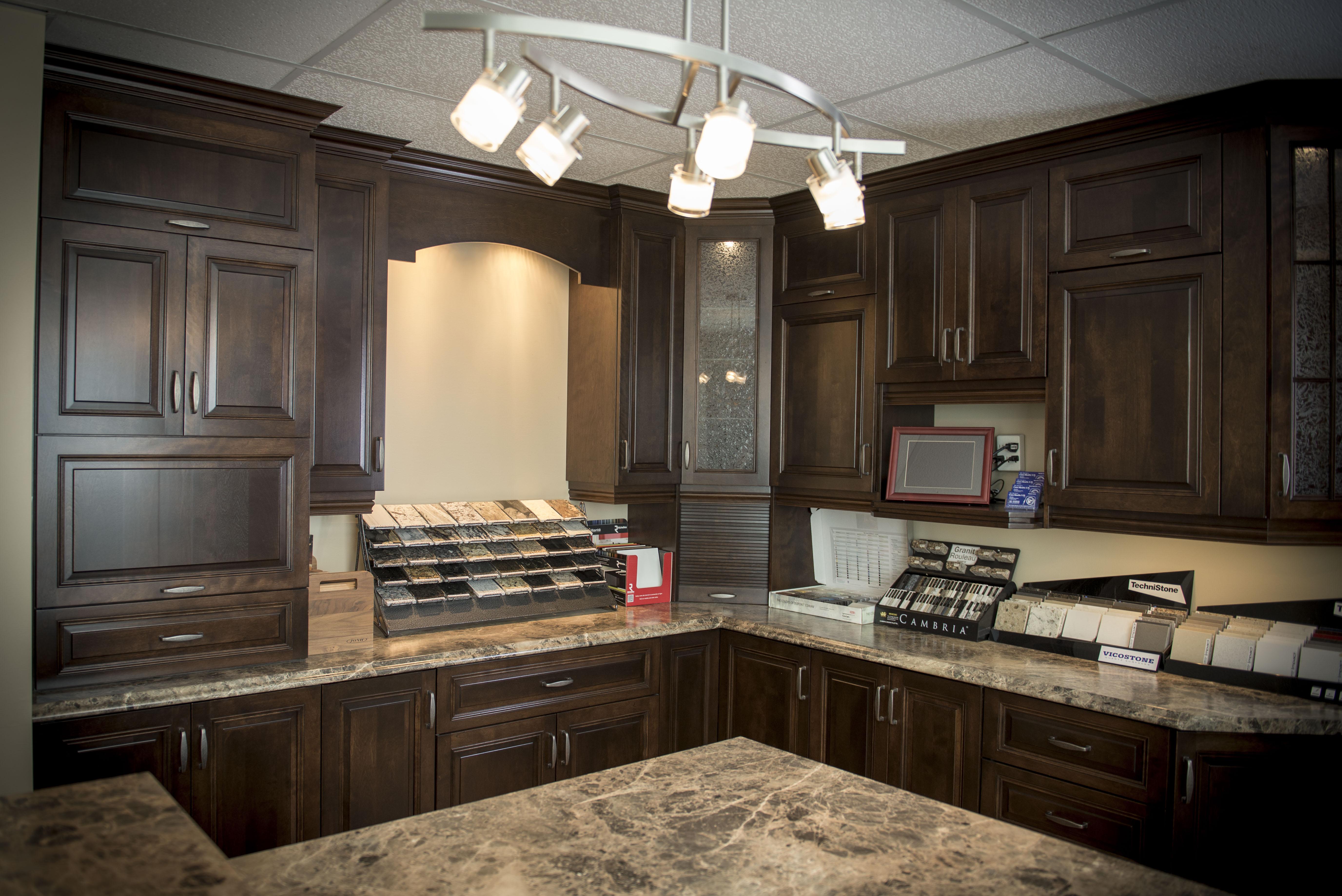 Salle de montre cuisine 28 images salle de montre for Les cuisines sur mesure